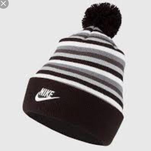 9c6b70728e9 Nike Women s Beanie